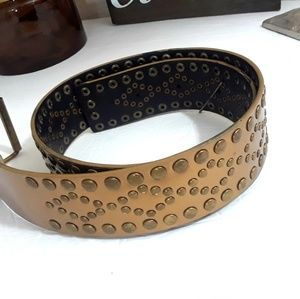 🌷Gold studded belt Size S